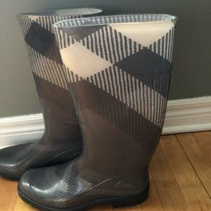 Burberry Big Scale Nova Check Grey Rain Boots